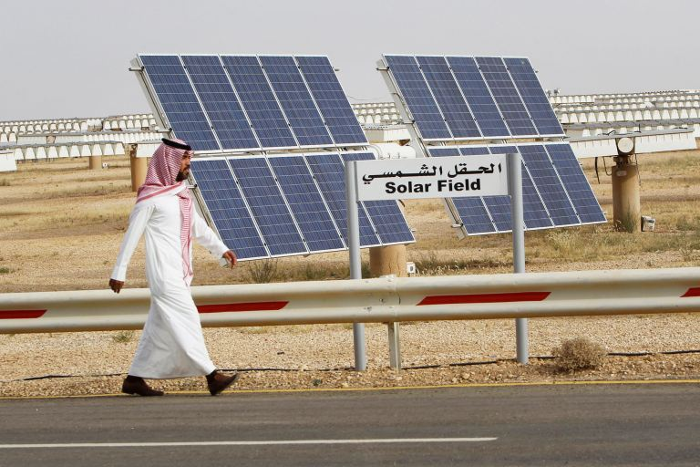 From oil giant to green energy. Saudi Arabia is preparing for an energy revolution